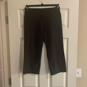 Nike crop yoga pants black